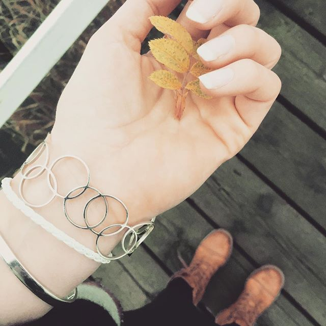 Autumn in sweden Have a nice Saturday! #armband #leaf #autumn #smycke #3dprinting #bracelet #bracelets #diy #youorwndesign #designityourself #silver #silverbracelet #3dprintning #rings #circle #ringar #ring #cirklar #UNIQD #startup #nails #frenchmanicure #love #jewelry #höst