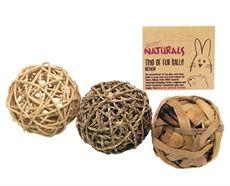 Trio med naturbollar. Roliga leksaker i naturmaterial till kanin och gnagare