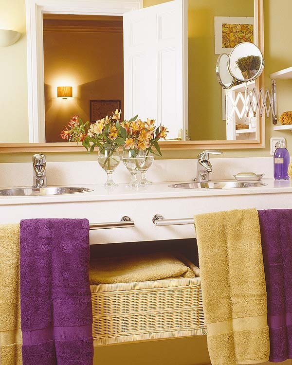 love the yellow and purple already have the purple in our bathroom might have