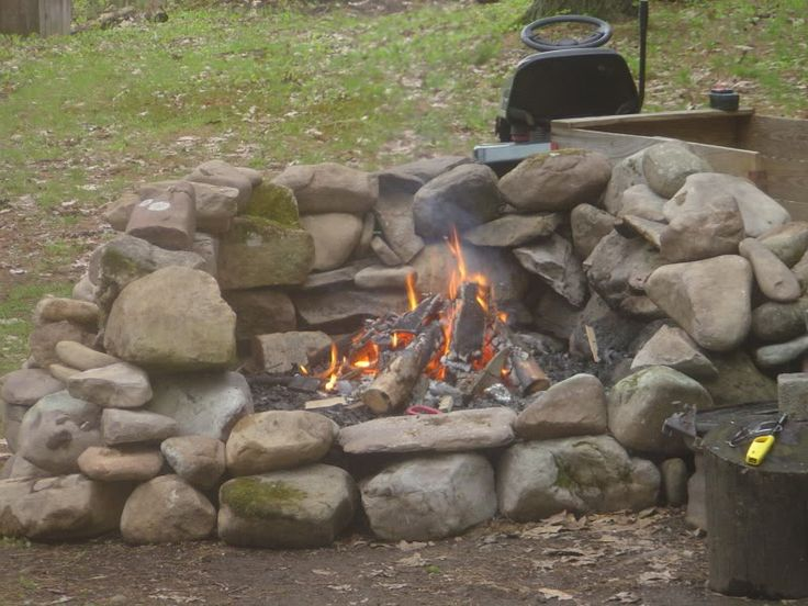 creek stone fire pit diy | ... few as we watch the fire in the big rock fire pit pine creek dave