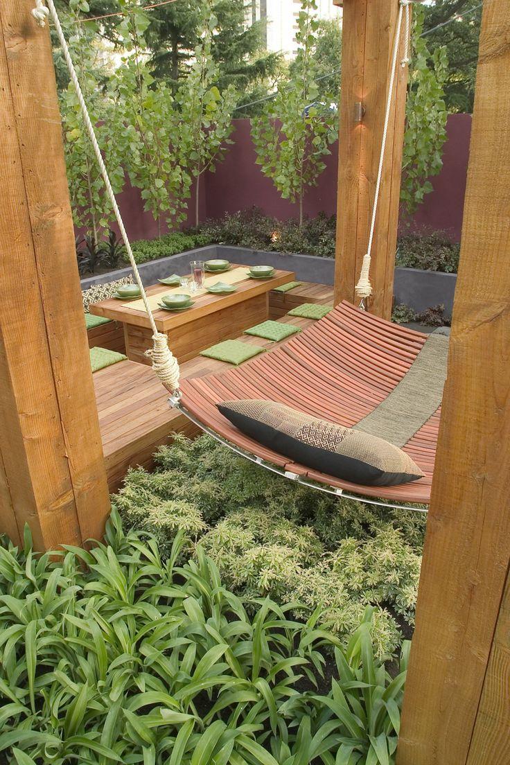 Jamie Durie Design (MELBOURNE INTERNATIONAL FLOWER AND GARDEN SHOW – 2005)-Great hammock design.