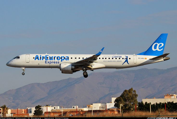 "Air Europa Express Embraer 195LR (ERJ-190-200LR) EC-KRJ on final approach to Almería-International during a long day of crew training, September 2016. Special ""Vive tu Pasión por el Deporte"" decal promoting the Rafa Nadal Sports Centre at Manacor. (Photo: Michael D Barker)"