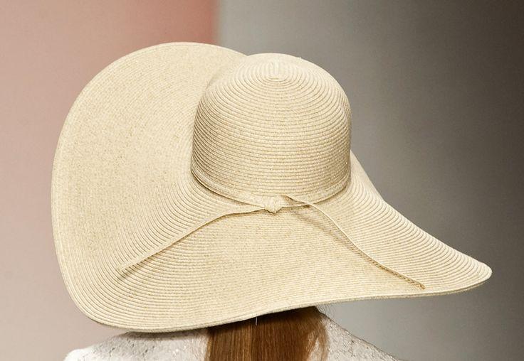 Tutti i cappelli di paglia della primavera estate 2013 per affrontare il caldo di Caronte