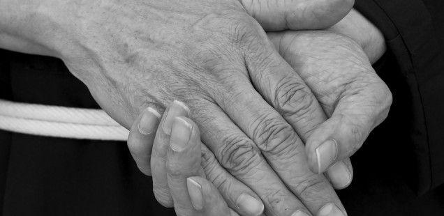 Pielęgnacja suchych dłoni. Artykuł, Akademia Paznokcia, http://akademiapaznokcia.blog.pl/