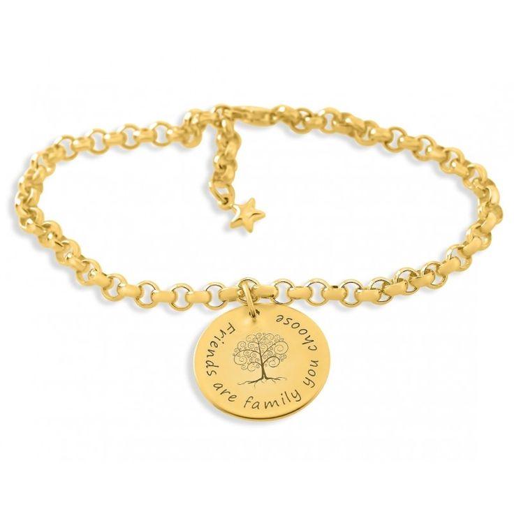 Ein wunderschönes Armband aus 925 Sterling Silber mit Wunschgravur. Auf dem ca. 2,0 cm großen Plättchen ist in der Mitte ein wunderschöner Baum graviert. Für Ihre Wünsche stehen Ihnen max. ca. 30 Zeichen inkl. Leerzeichen zur Verfügung. Das komplette Schmuckstück wird in Juwelierqualität hochwertig vergoldet.