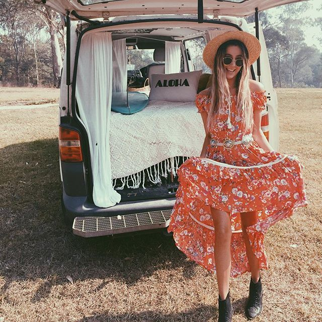 @salty_gypsy in her Revolver off shoulder dress {herrock'n van decked out with that rad @kawaiian_lion cushion}