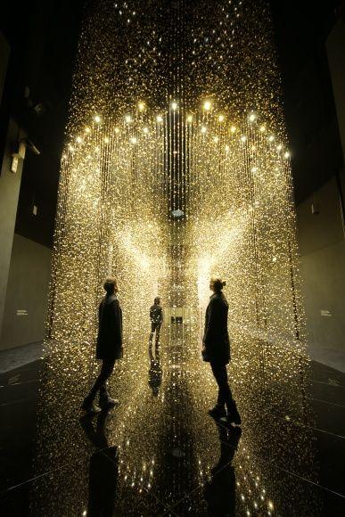 """ミラノサローネで2冠! 輝きの空間を体験する、 「シチズン」の""""LIGHT  is TIME"""""""