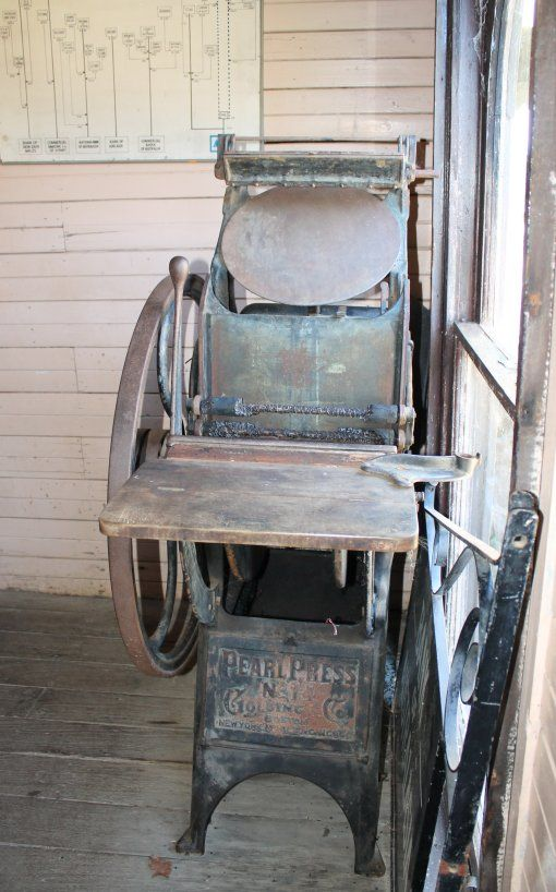 Printing Press inside the Bank at the Australiana Pioneer Village.  Pearl printing press, manufactured by Golding& Co  in 1892. #History #Vintage #printingpress