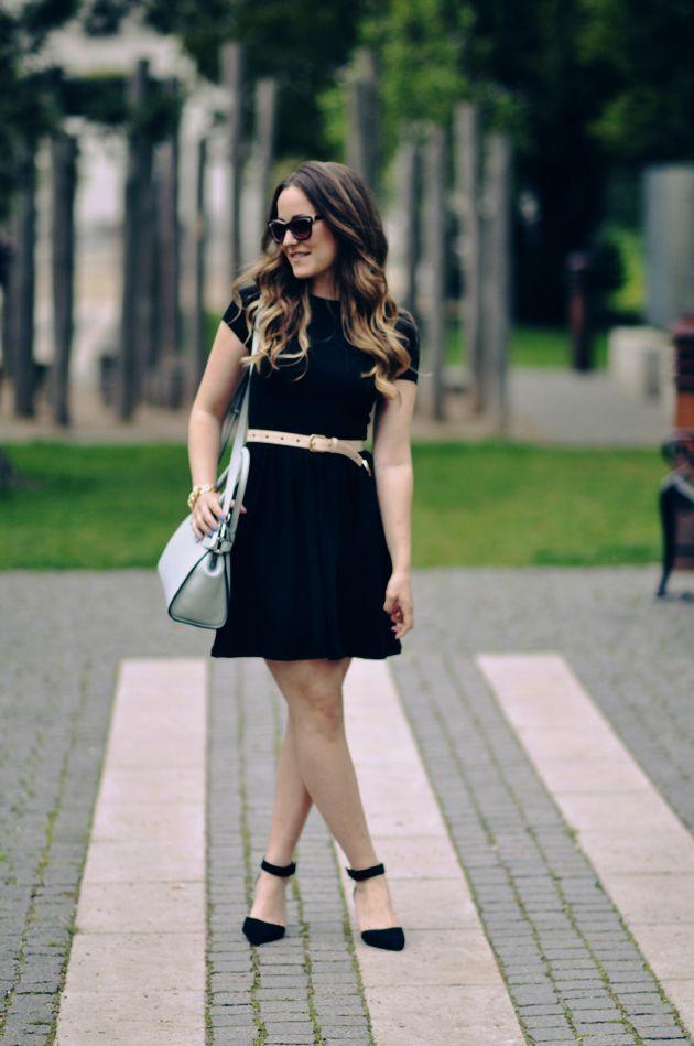 Den lille sorte og lidt lyserødt | Emily Salomon