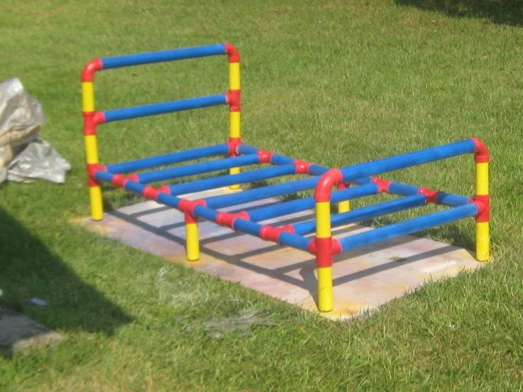 Best 25 pipe bed ideas on pinterest for Pvc pipe craft projects