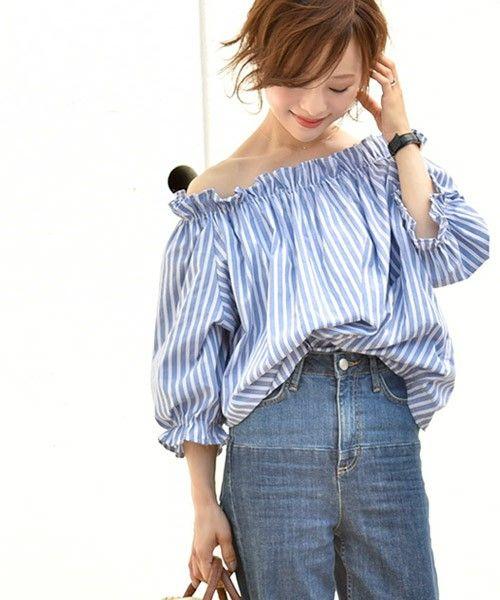 【ZOZOTOWN】coca(コカ)のシャツ/ブラウス「フリルストライプオフショルダートップス」(02-160505000-06)を購入できます。