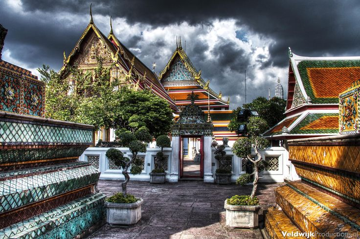 Wat Pho by Robbie Veldwijk on 500px