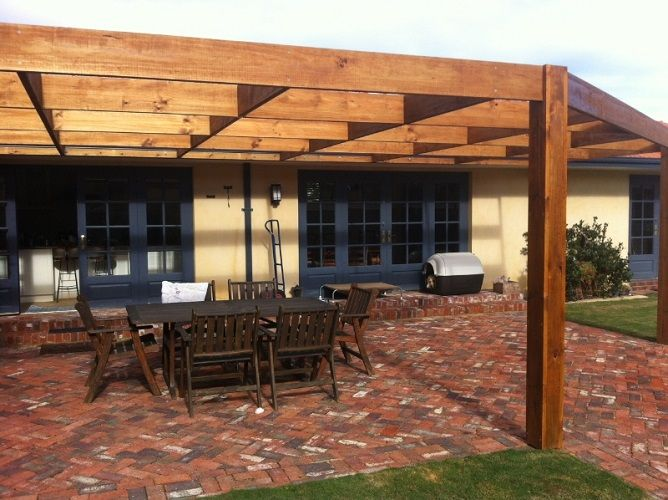 WHAT DOES A PERGOLA COST TO BUILD IN BRISBANE