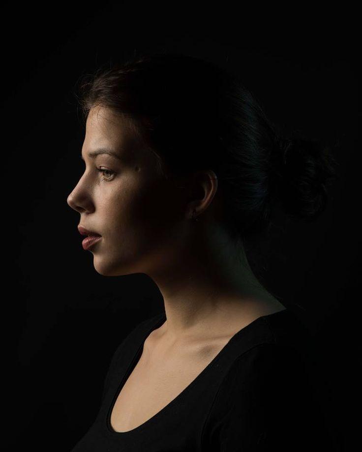 [Devoir Etudiant]Bravo àCharlotte Bolomey-Beck étudiante à l'IP qui a soumis ces sublimes photos lors du devoir 6 consacré au portrait et la lumière !