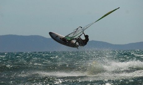 Galleria Fotografica | Osa Windsurf Center  E si prende il volo sul Mare di #Maremma