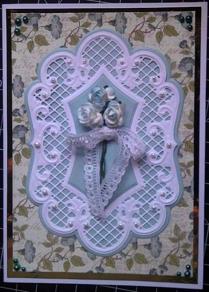 Rose Bouquet Doily Card with some glittering blue and red sprinkler