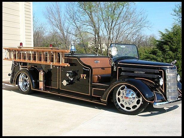 1944 Mack Model 45 Fire Truck #mack #trucks