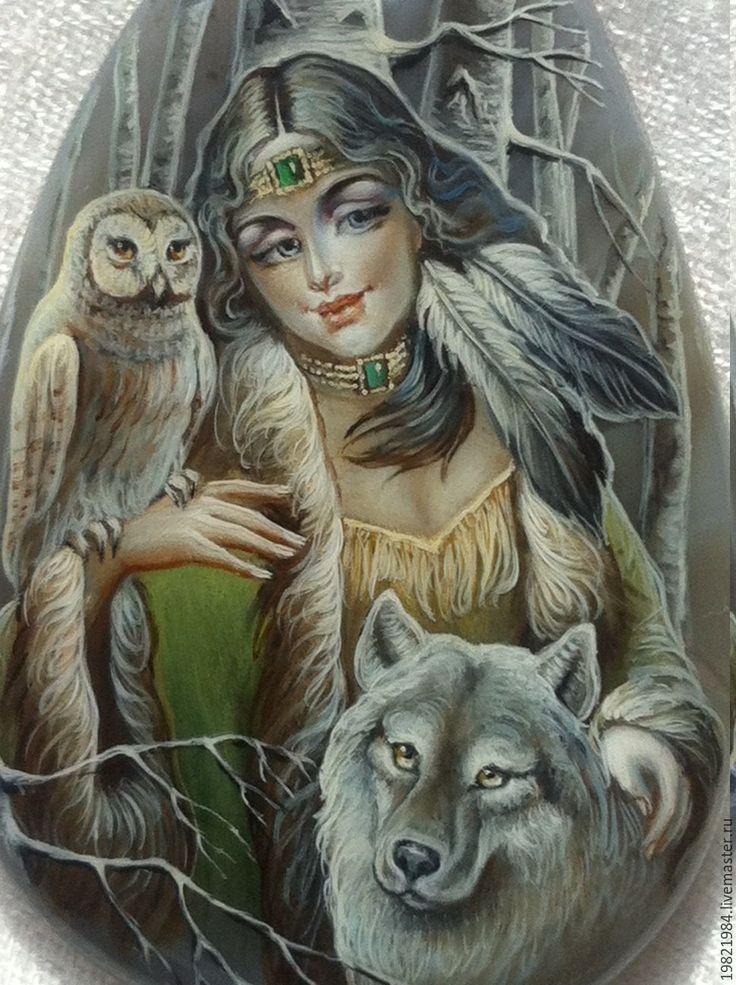 Купить Бегущая с волками... - серый, лаковая миниатюра, живопись маслом, роспись по камню, живопись по камню