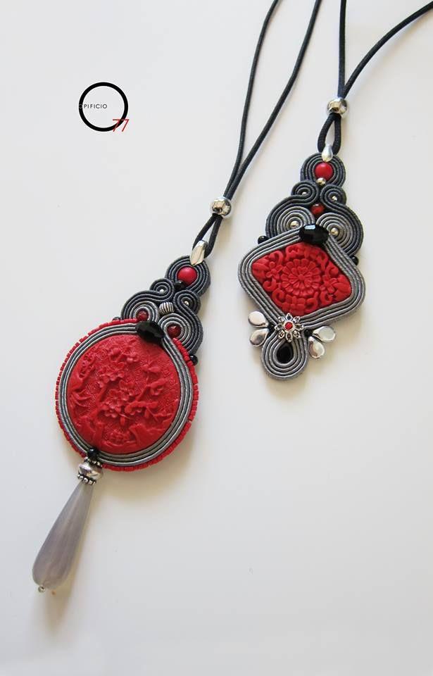 Ciondoli soutache con medaglione intagliato imitazione cinabro, cristalli, goccia in pietra dura. Giada Zampar -Opificio77-