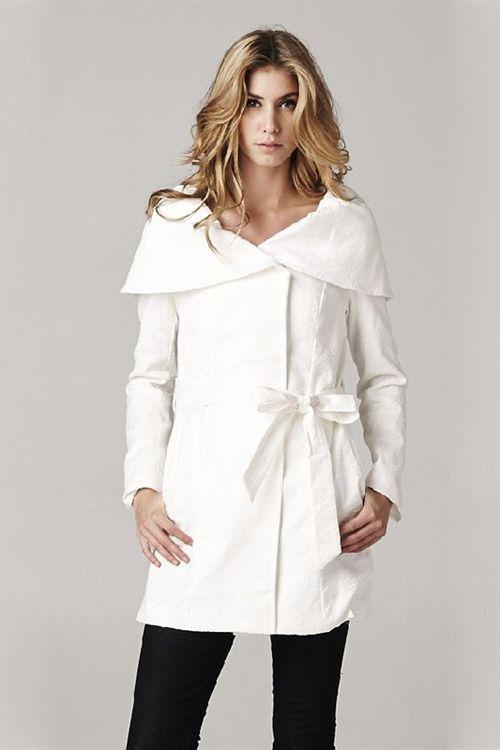 Andrea Coat in Ivory Brocade