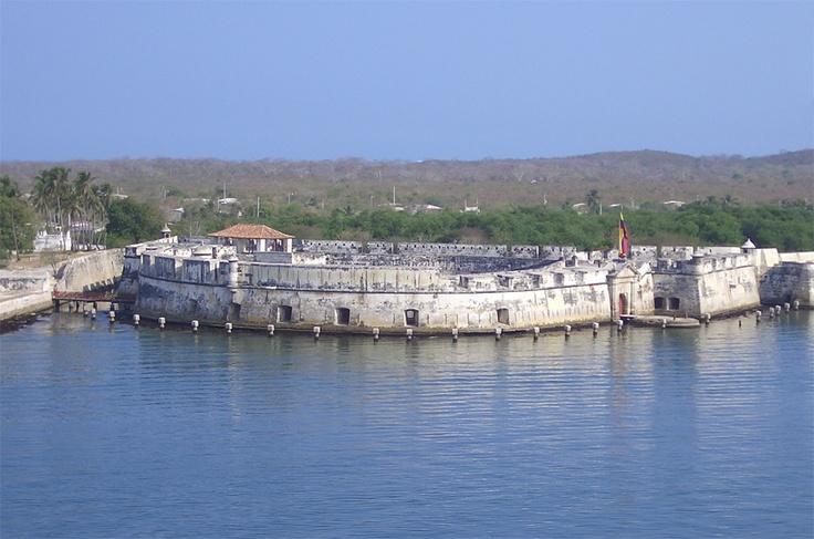 Tierrabomba Island, Bocachica Spanish Fort   Colombian ...