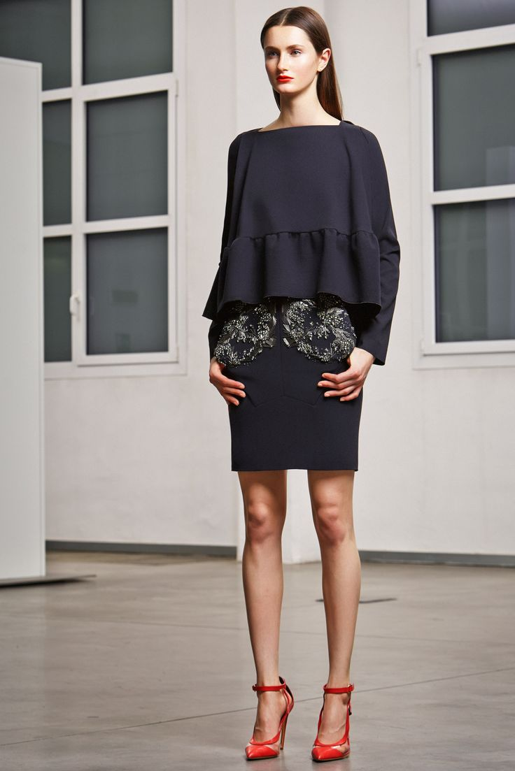 Antonio Berardi Pre-Fall 2014 Fashion Show