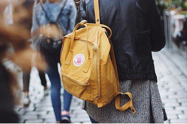 """У кого какая погода за окном?  На фото наш любимый рюкзак Kanken  Мск: ТРЦ""""Азовский"""", м.Севастопольская СПб: Ропшинская, 30 Street-story.ru  #streetstory #streetstory20 #kanken #fjallraven #kankenbackpack #kankenbag #backpack #backpackbag #bag #bags #backpacker #backpacking #рюкзак #рюкзаки #рюкзакмск #рюкзакспб #портфель #городскойрюкзак #рюкзаксумка #style #streetstyle #мода #стиль #уличнаямода #fox #лиса"""