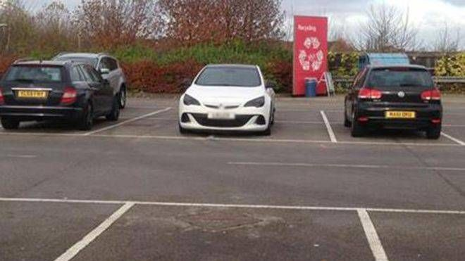 """Sexism Claim Over Parking Abuse -- A driver has defended parking his car across two spaces in a supermarket car park saying """"no one would have batted an eyelid if I wasn't a bloke"""" Mark Ranley, from Doncaster, was criticised on a Facebook group dedicated to photographs of people's parking blunders. He says... -- #Parking, #Sexism -- https://goo.gl/BE8hLV"""