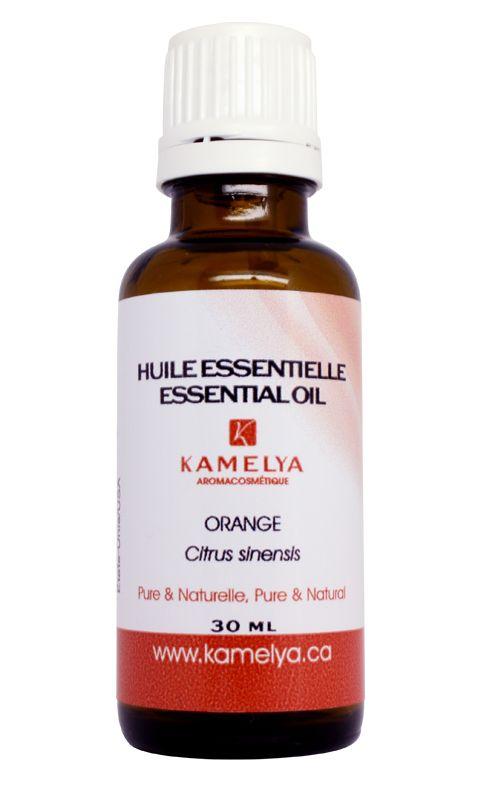 Huile essentielle d'orange. L'huile essentielle d'orange est très polyvalente. On l'utilise principalement en diffusion atmosphérique pour favoriser le calme en cas d'agitation, d'anxiété et de nervosité.