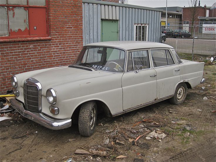 Mercedes benz 230 w 110 buscar con google mercedes for Google mercedes benz