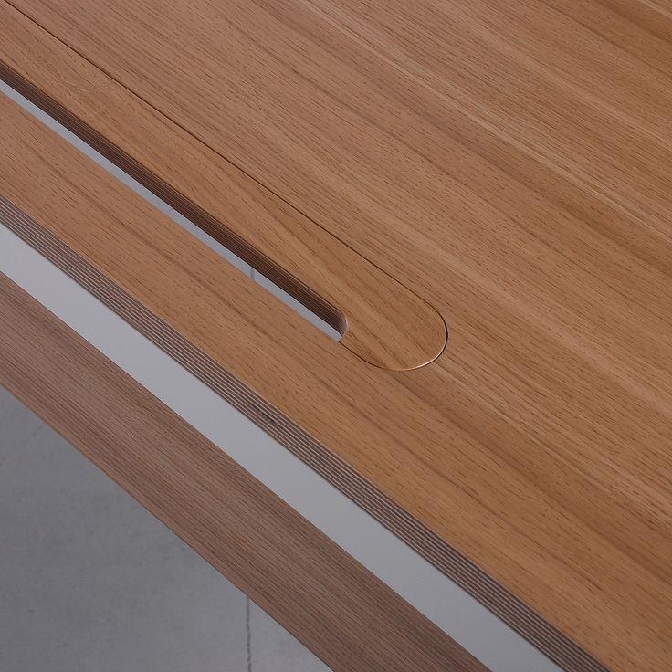 Sp1 desk by ODESD2. Designer: Yaroslav Brykailo.