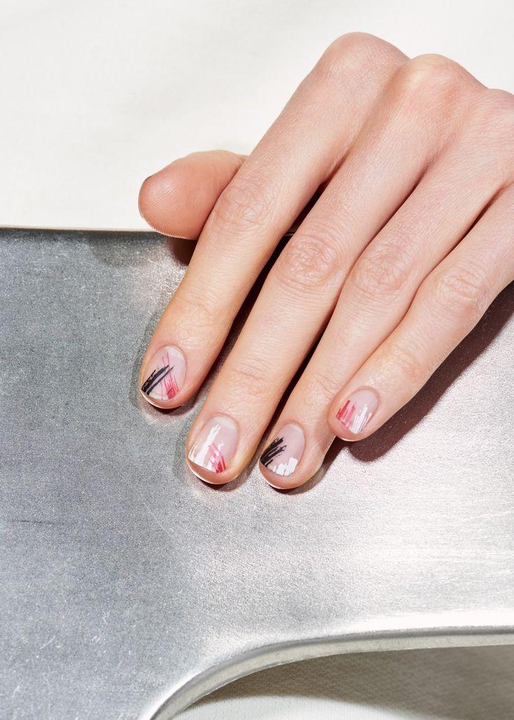 Brushstroke nail art