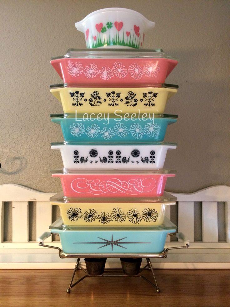 Vintage Pyrex space saver stack. Rare Lucky In Love on top