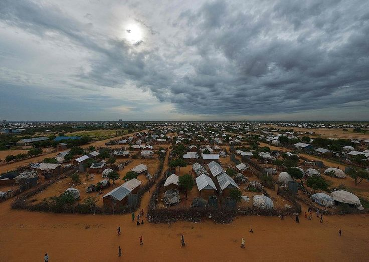 Kenyan Court Blocks Plan to Close Dadaab Refugee Camp - The New York Times
