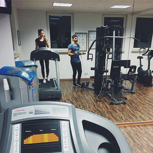 Done! 💪🏼🙆🏼✌🏻😩🤜🏼💥🤛🏼🏃🏽♀️🏋🏼♀️...soon: 🍫🍩🍿🍪🍭! Wer kennt's? 🙈 #training #sports #workout #train #laufen #loveit #laufliebe #active #fit #fitness #fitwerden #addicted #instarun #instafit #health #healthylifestyle #ilike #instafit #gym #gymtime #today #trainhard #harderthanhard #bodyattack #workoutmotivation #motivation #fitnessmotivation #gesundleben