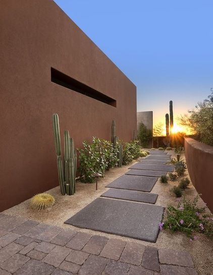 Southwestern Landscape by Tate Studio Architects, photo by Michael Woodall