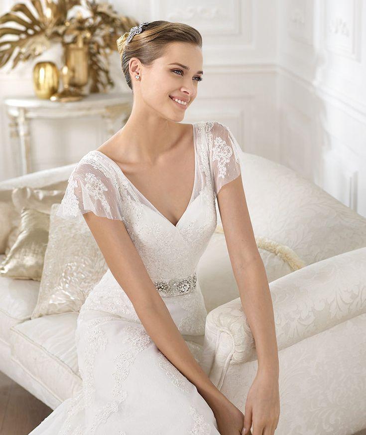 Pronovias presents the Lianela wedding dress. Costura 2014. | Pronovias