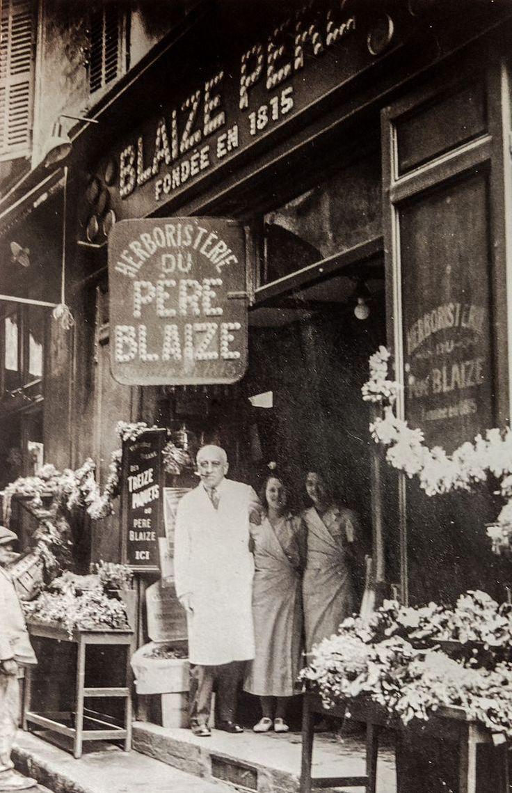 Herboristerie du Père Blaize à Marseille, années 1920.