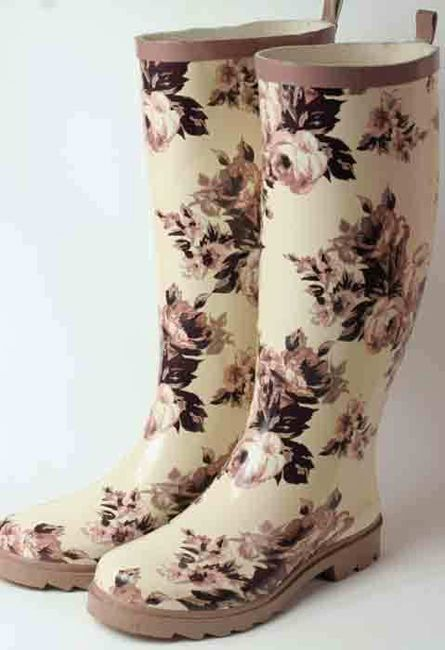 Brown Rose Rain Boots I need some rain boots! These are cute!
