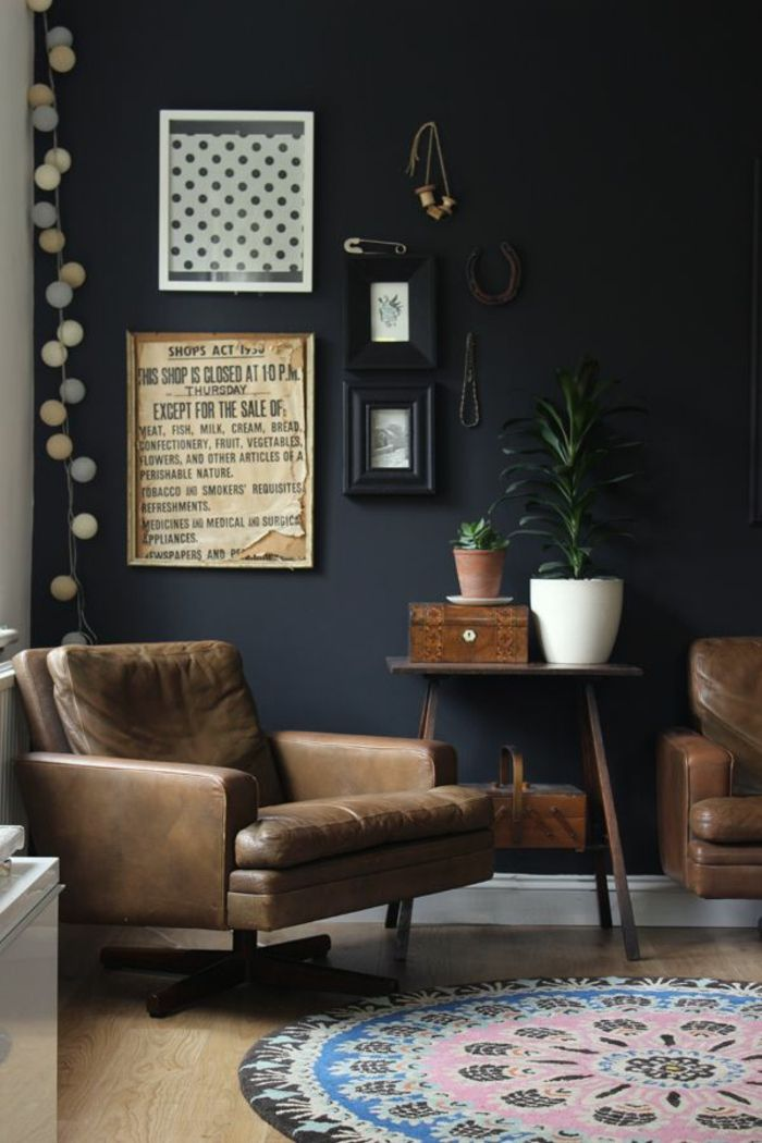 70 w nde streichen ideen in dunklen schattierungen wand schwarz wohnzimmer vintage. Black Bedroom Furniture Sets. Home Design Ideas