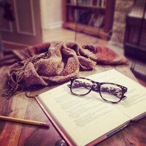 11 Signs of an Author Crush #bookaddict #writer #author | Blondewritemore