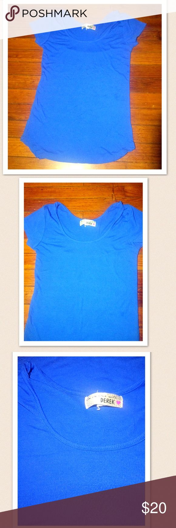 🎉💥BUY 1 GET 1 FREE Size Medium Blue Casual top DEREK HEART Blue Scoop Neck women's top size medium super comfortable ! Smoke free stain free excellent condition Christmas gift Derek Heart Tops Tees - Short Sleeve