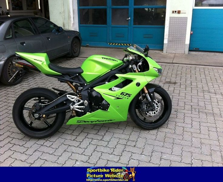 Triumph Daytona 675 - New Color