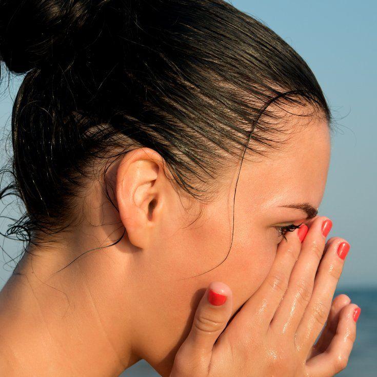 Corneal Abrasion 6 Natural Ways To Relieve A Scratched Eye Dr Axe Corneal Abrasion Corneal Scratched Cornea