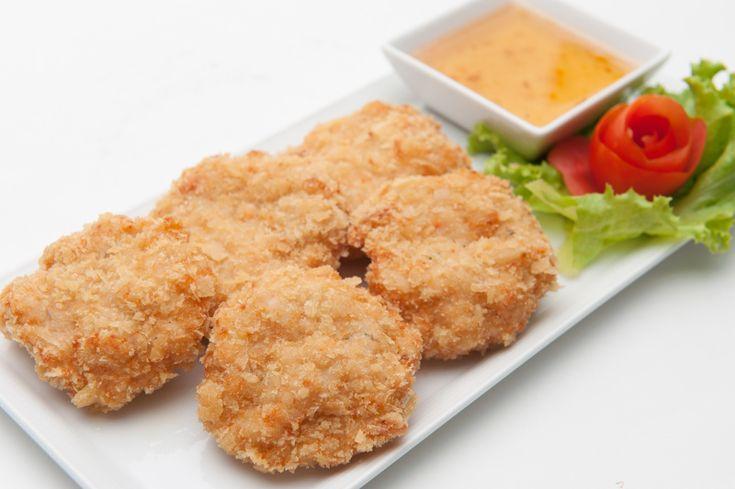 Préparez ces délicieuses croquettes de crevettes en entrée ou pour le repas principal. C'est léger, franchement facile à faire et savoureux!