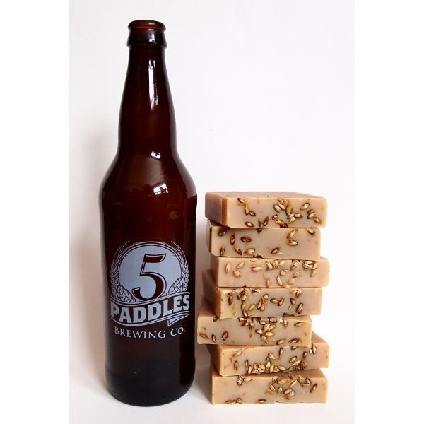 FOR THE CRAFT BEER CONNOISSEUR: Made with Local Artisan Craft Beer by 5 Paddles in Whitby Ontario ▷Fresh & Clean Lemon + Mint scent with Barley & Coffee Grounds for added exfoliation ▷GIFT WRAPPED a natural Cloth bag