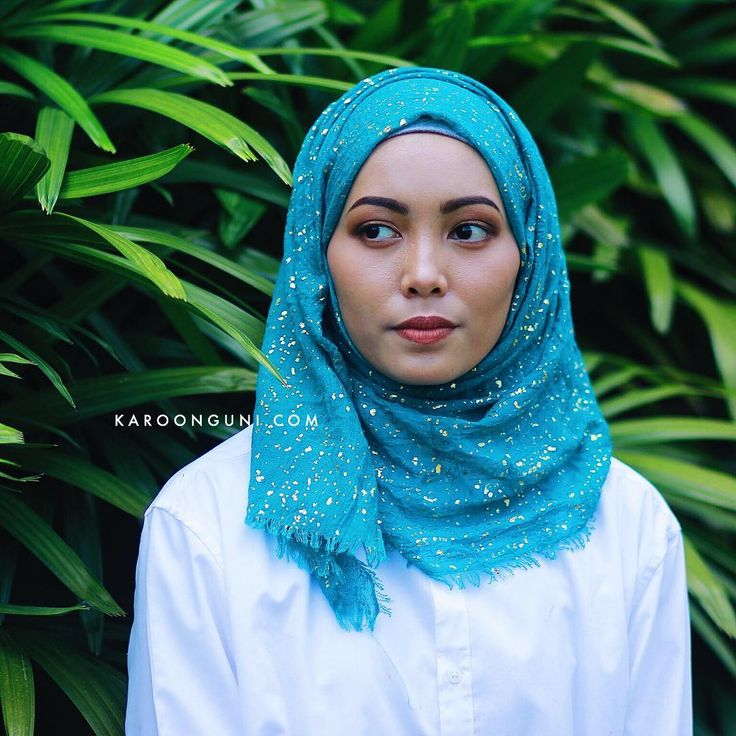 GOLD SHAWL (BLUE). — Promo Price : MYR20 exc postage — Material : Soft Cotton with Gold Stamped . — Place your order by whatsapp us (Details/Quantity/Item/Address) to 60108952097