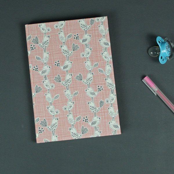 Babytagebuch DIN A5 rot weiß grau mit kleinen Vögeln, DIN A5, blanko #babyshowerideas #babytagebuch #taufe #geburt
