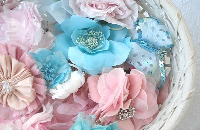 whhha!: Fashion Beautiful, Blue Flowers, Silk Flowers, Spring Hair, Pretty Pink, Vintage Photographers, Pretty Things, Hair Clip, Flowers Hair Accessories