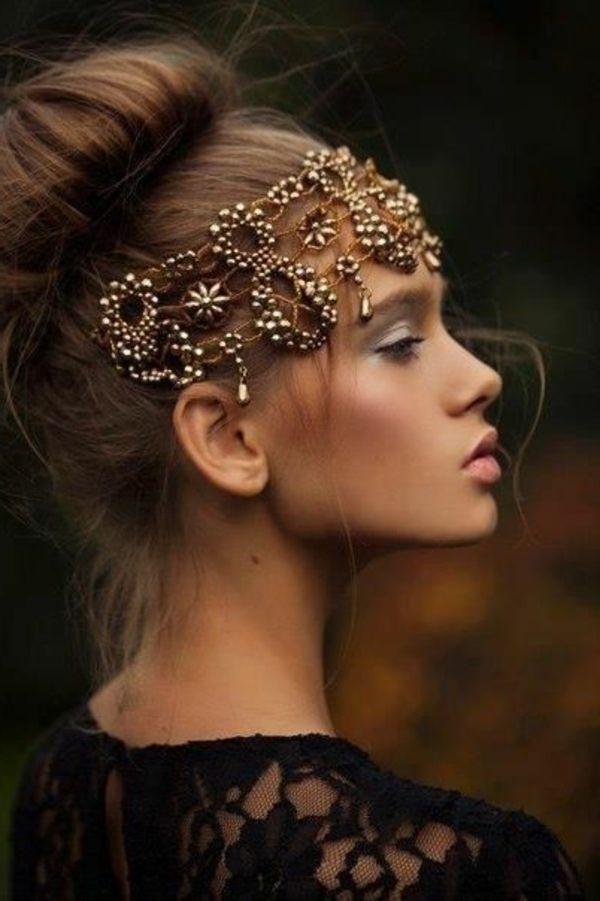 quel bijou de cheveux, accessoire de cheveux moderne, fille brunette